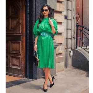 GORGEOUS ZARA NWT Midi Pleated Dress